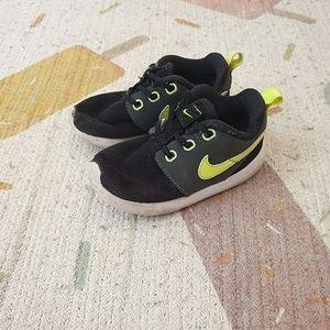 Kids Nike runners